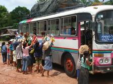 bus au Laos